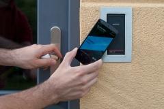 Otevírání dveří mobilem 2