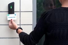 Otevírání čipovou kartou
